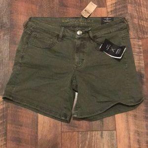 AEO Twill Midi Shorts - olive - NWT